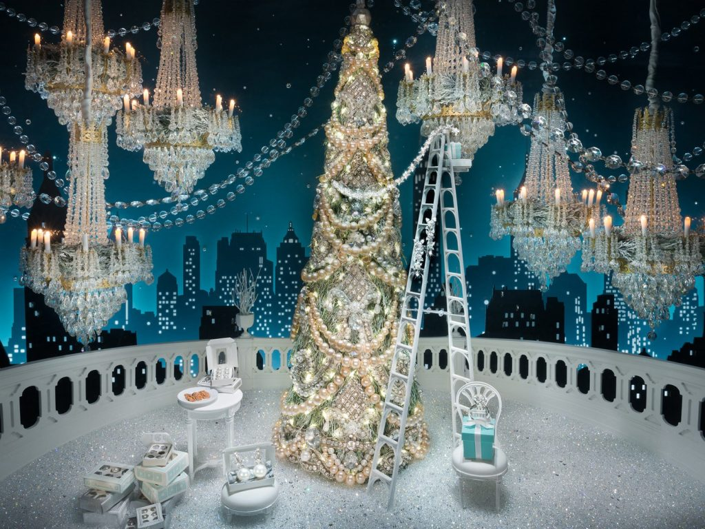 holiday-windows-tiffanys-cr-courtesy